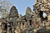 Carved structures in Preah Khan in Angkor — Stock Photo