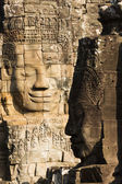 Famous smile face statue of Prasat Bayon temple at Angkor Thom — Stock Photo