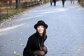 Asijská dívka v central parku — Stock fotografie