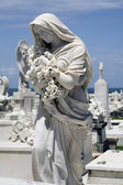Statue mourning woman — Stockfoto
