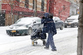 Mail man during snow storm in New York — Stock Photo