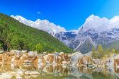 Lijiang: jade dragon sneeuw berg — Stockfoto
