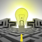 Light shinning bulb with arrow above labyrinth — Stock Photo