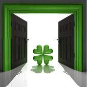 Green happy cloverleaf in doorway — Stock Photo
