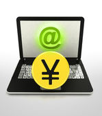 Internet surfing and search info about yuan currency business — Stock Photo