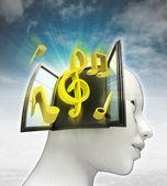 Muziek die afkomstig is uit of in menselijk hoofd met hemelachtergrond — Stockfoto