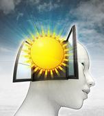 Glanzende zomerzon afkomstig is uit of in menselijk hoofd met hemelachtergrond — Stockfoto