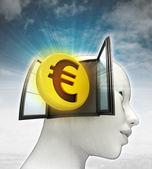 Afkomstig is uit of in menselijk hoofd met hemelachtergrond munt investeringen uit het eurogebied — Stockfoto