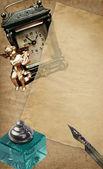 Retro clock with paper — Foto de Stock