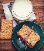 Cookies with a glass of milk — Stock Photo