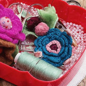 Box with sewing supplies,beads and related crafts — Foto Stock