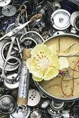 Nähen-Tools und Blumenschmuck — Photo