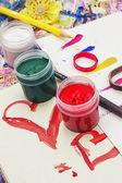štětce a barvy pro malování — Stock fotografie