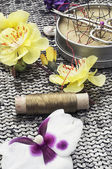 Composition with sewing tools and decorations — Stock Photo