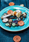 Threads and buttons — Stock Photo