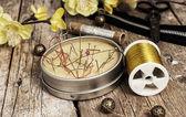 Knoppen en rits en naaien tool — Stockfoto