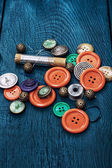 Set of threads,needles and sewing accessories — Stock Photo