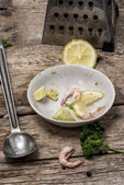 Salad with prawns — Stock Photo