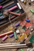 色塗料、クレヨン、鉛筆 — ストック写真