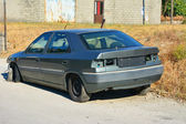 Abandoned car — Stock Photo