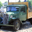 Постер, плакат: Old timer truck parked in Dordrecht