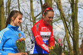 Roos Staps and Lindy van Anrooy on the winners podium — Stock Photo