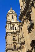 Cattedrale di Malaga contro un cielo blu profondo — Foto Stock