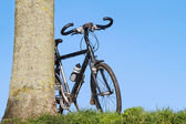 Trekking cykeln lutar — Stockfoto
