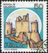Un sello impreso en italia, muestra rocca calascio, circa 1980 — Foto de Stock
