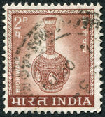 A stamp printed in India, shows a vase made in the style of Bidriware, circa 1967 — Stock Photo