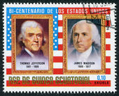 Muestra un sello impreso en la guinea ecuatorial, u.s. ex presidente thomas jefferson y james madison, alrededor de 1975 — Foto de Stock
