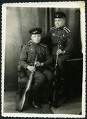 USSR - CIRCA 1950: Photo taken in the USSR, depicted two soldiers of the Red Army with weapons in hand, circa 1950 — Foto de Stock