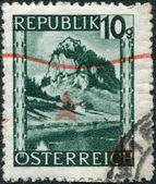 AUSTRIA - CIRCA 1945: A stamp printed in Austria, is shown Hochosterwitz Castle (Burg Hochosterwitz), circa 1945 — Stock Photo