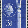 A stamp printed in Australia, dedicated to 13th anniversary of the Battle of the Coral Sea, shows the Top of US Monument, Canberra — Stock Photo #12163115