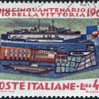 um selo impresso em Itália, é dedicado ao 50º aniversário da vitória na primeira guerra mundial, é o encouraçado retratado andrea doria, destruidor zeffiro — Foto Stock