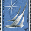 A stamp printed in Italy, dedicated to World Yachting Championships, Naples and Alassio, shows Sailboats of 5.5-meter class, circa 1965 — Stock Photo