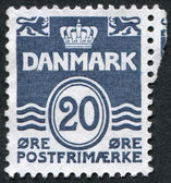 A stamp printed in the Denmark, depicts Wavy Lines and Numeral of Value, circa 1952 — Stock Photo