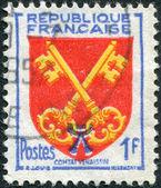 Un sello impreso en francia, representa a los brazos del comtat venaissin, circa 1955 — Foto de Stock
