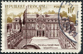 A stamp printed in France, shows the Elysee Palace (Presidential Palace), circa 1957 — Stock Photo