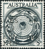 A stamp printed in Australia, shows the Antarctic Flora and Fauna and Map, circa 1954 — Stock Photo