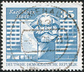 DDR - CIRCA 1973: A stamp printed in DDR, shows Marx monument, Karl-Marx-Stadt, circa 1973 — Stock Photo