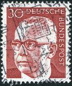 Znaczek wydrukowany w Niemczech, pokazuje prezydent Niemiec gustav walter heinemann — Zdjęcie stockowe