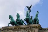 квадрига бранденбургские ворота. — Стоковое фото