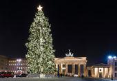 Brandenburger tor en de kerstboom — Stockfoto