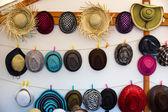 Diferentes estilos de sombreros. fondo. — Foto de Stock