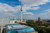 St. Mary's Church, the Berlin Television Tower, hotels Park Inn, bird's-eye view and the Rotes Rathaus — Stock Photo