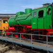 Steam locomotive FLC-077 (Meiningen) and diesel locomotive BEWAG DL2 (Typ Jung RK 15 B) on the railway turntable — Stock Photo