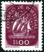 PORTUGAL - CIRCA 1943: A stamp printed in Portugal shows caravel, circa 1943 — Stock Photo