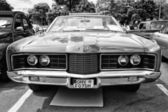 Car Ford Galaxie XL convertible (black and white) — Stock Photo