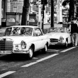 Car Mercedes-Benz 280 SE 3.5 Coupe (black and white) — Stock Photo